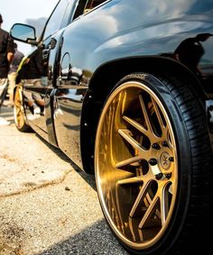 No photo description available. Rims And Tires, Rims For Cars, Wheels And Tires, Car Wheels, Gold Wheels, Toyota Car Models, Toyota Cars, Custom Wheels, Custom Cars
