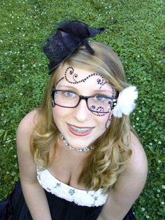 https://www.google.com/search?q=halloween costumes for eyeglass wearers