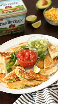 Taco time anyone? 😍🌮These bite sized tacos are sure to become your new fave snack! Mexican Food Recipes, Vegetarian Recipes, Cooking Recipes, Healthy Recipes, Appetizer Recipes, Dinner Recipes, Appetizers, Healthy Snacks, Healthy Eating