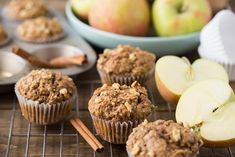 Healthy Apple Muffins the Kids (and you) will Love Spiced Apples, Caramel Apples, Muffin Recipes, Apple Recipes, Combi Oven, Apple Varieties, Fall Snacks, Frozen Meals, Healthy Muffins