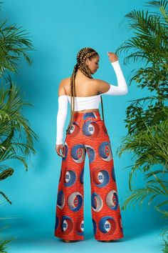 The Karoi Pants is a must have! Its sexy design is perfect for showing off your curves and will make you feel incredible every time you wear it. African Attire, African Wear, African Dress, African Print Fashion, Fashion Prints, Ankara Fashion, African Prints, Leather Apron, African Beauty