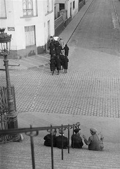 © André Kertész - Montmartre, 1930