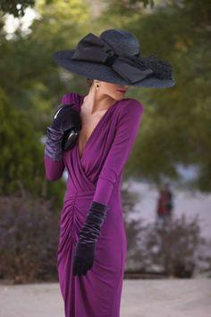 Eres madrina de boda y buscas inspiracion | Esta es mi Moda Mode Outfits, Dress Outfits, Fashion Dresses, Tea Party Outfits, Belle Silhouette, Love Hat, Wedding Hats, The Dress, Lady