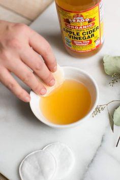Banish Annoying Arm Bumps with 10 Keratosis Pilaris Remedies. Eczema Home Remedies Apple Cider Vinegar Skin Care Remedies, Acne Remedies, Health Remedies, Herbal Remedies, Natural Beauty Tips, Natural Cures, Natural Health, Natural Skin, Trains