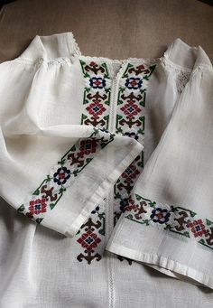 RESERVED -antique embroidered blouse in ivory white / rustic, woodland, fairytale top // art to wear Polish Embroidery, Embroidery Art, Embroidery Patterns, Knitting Patterns, Light Texture, Embroidered Blouse, Ethnic Fashion, Hand Stitching, Diy And Crafts