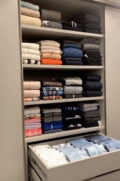 Wardrobe Organisation, Small Closet Organization, Closet Storage, Drawers For Closet, Organizing Bathroom Closet, Organizing Wardrobe, Walk In Closet Organization Ideas, Storage Organization, Organizing Purses In Closet