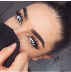 perfect-eyebrows-made-easy-with-semi-permanent-make-up - More Beautiful Me 1 Makeup Goals, Makeup Tips, Beauty Makeup, Hair Makeup, Hair Beauty, Makeup Style, Eyebrow Makeup, Gorgeous Eyes, Pretty Eyes