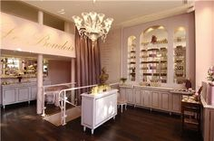If you're a lover or connoisseur of perfumes than you are familiar with the high perfumery house, Annick Goutal Paris. How To Apply Blush, How To Apply Eyeshadow, How To Apply Mascara, Jill Stuart Makeup, Boutique Parfum, The Cardigans, Nose Pores, French Beauty, Paris