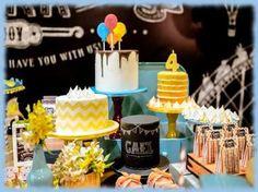 Resultado de imagem para mesa com tres bolos