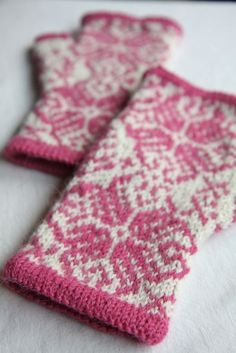 Pattern:  Wonderland  Needles: US#2 circular, using Magic Loop  Yarn:  Berroco Ultra Alpaca Light, in Winter White and Rose Spice (anything but pink!)