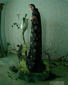 Planten/bloemen als inspiratie voor ketting bij HB gewaad