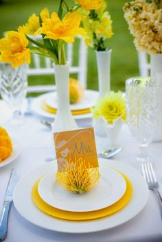 Ideas wedding spring yellow table settings for 2019 Wedding Themes, Wedding Colors, Wedding Events, Wedding Decorations, Wedding Ideas, Wedding Card, Trendy Wedding, Wedding Invitations, Cute Wedding Dress