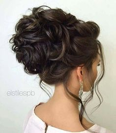 60 Sophisticated Prom Hair Updos Prom hair updos stay trendy from year to year due to their gorgeous look and versatility. See our collection of chic and trendy prom hair updos. Wedding Hairstyles For Long Hair, Wedding Hair And Makeup, Bride Hairstyles, Hair Makeup, Hairstyle Wedding, Hairstyle Ideas, Hair Wedding, Prom Updo, Hairdos