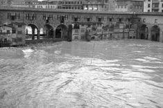 THE FLOODS OF FLORENCE~ Avvenuta nelle prime ore di venerdì 4 novembre 1966 in seguito a un`eccezionale ondata di maltempo, fu uno dei più gravi eventi alluvionali accaduti in Italia, e causò forti danni non solo a Firenze ma in gran parte della Toscana e più in generale tutto il paese. L`esondazione dell`Arno provocò 34 morti, 13.000 famiglie disastrate, 12.000 automobili sommerse, 20.000 imprese artigiane alluvionate, danni per migliaia di miliardi di lire. #TuscanyAgriturismoGiratola