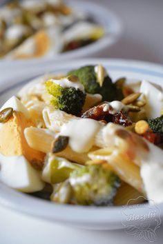 Sałatki na imprezę - sprawdzone przepisy na pyszne sałatki Macaroni And Cheese, Lunch, Snacks, Chicken, Cooking, Ethnic Recipes, Karma, Food, Salads