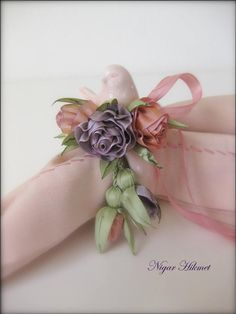 Nigar Hikmet, ribbon embroidery