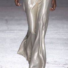 Fashion Gone rouge Runway Fashion, Fashion Beauty, Fashion Looks, Fashion Outfits, Womens Fashion, Style Fashion, Images Instagram, Fashion Gone Rouge, Androgynous Fashion