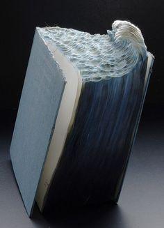 Trabajo del artista canadiense Guy Laramée, famoso por sus impresionantes esculturas hechas en libros. (Arte y libros - Librería Terraferma)