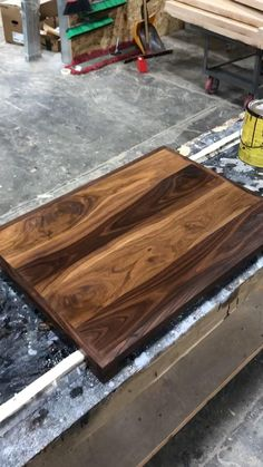 Electric Stove Top Covers, Gas Stove Top Covers, Wooden Stove Top Covers, Easy Woodworking Projects, Diy Wood Projects, Kitchen Decor, Basement Kitchen, Diy Kitchen, Clean Gas Stove Top
