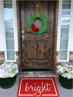 Tutorial to make your own Christmas door mat. Christmas decorations for your front porch.