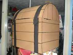 Cardboard props: How to make a Pirate Treasure Chest
