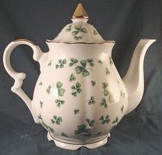 """Tea Pot """"Shamrock"""" by Lefton from mcspincollectibles on Ruby Lane"""