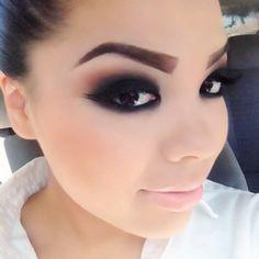 Smokey eyes. Makeup Ideas