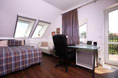 Fotoinšpirácia - stránka 2 Corner Desk, Bed, Furniture, Home Decor, Corner Table, Decoration Home, Stream Bed, Room Decor, Home Furnishings