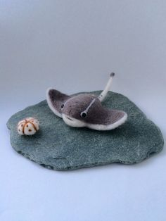 """Needle felted stingray and sea urchin. Felted by FlorasWeeFelts """"Dear God this is so cute and amazing!"""" -221BFelterStreet"""
