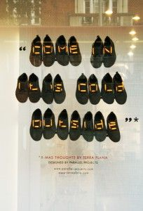 Shoe lace typography: Shop window installations for Terra Plana, December 2009 - Oscar Diaz