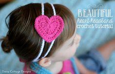 Free Crochet Pattern: Easy Heart Headband. Plus 20 Free Hear Crochet Patterns. http://daisycottagedesigns.net/crochet-roundup/20-free-heart-crochet-patterns/  Daisy Cottage Designs