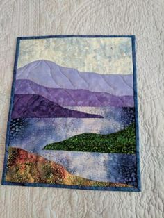 Terrific Totally Free quilted Wall Hangings Ideas In order to increase that means towards partitions of your abode, you can try away some great the idea hanging. Quilting Projects, Quilting Designs, Art Quilting, Quilting Ideas, Fiber Art Quilts, Fabric Painting, Fabric Art, Watercolor Quilt, Watercolor Landscape
