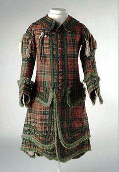 Company of Archers original tartan uniform - Royal Company of Archers - Wikipedia, the free encyclopedia 1704 Historical Costume, Historical Clothing, Royal Company, Scottish Culture, Scottish Fashion, Scottish Tartans, Tartan Plaid, Vintage Outfits, Vintage Fashion
