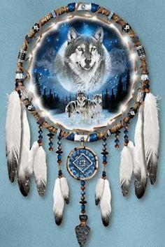 Dreamcatcher wolf, cross in blues