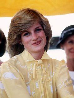 Princess Diana Hair, Princess Diana Fashion, Princess Diana Pictures, Princess Diana Family, Prince And Princess, Princess Of Wales, Ayers Rock, Lady Diana Spencer, Princesa Diana
