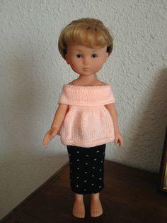 IMG_2045 Marie Clare, Crochet Doll Clothes, Julia, Dollhouse Dolls, Barbie Dolls, Free Pattern, Knit Crochet, Knitting, Toys