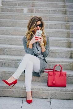 Más de 50 looks comprueban que todas necesitamos unos zapatos rojos Red Heels Outfit, White Pants Outfit, Outfit Jeans, Simple Outfits, Cool Outfits, Casual Outfits, Fashion Outfits, Fashion Fashion, Fashion Ideas