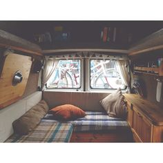 Living room | Bedroom | Kitchen #therollinghome #vanlife