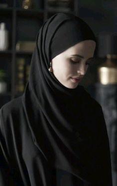 Modern Hijab Fashion, Street Hijab Fashion, Hijab Fashion Inspiration, Fashion Mode, Muslim Fashion, Fashion Tips, Classy Fashion, Jeans Fashion, 2000s Fashion