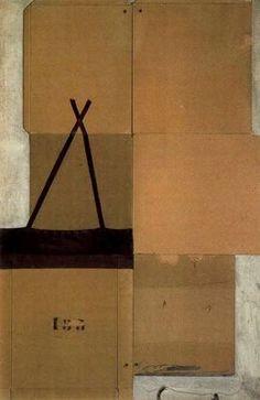 "Antoni Tàpies Puig (1923-2012). ""Caja de cartón desplegada, 1960"". Assemblage de cartón montado sobre tela. 128 x 85 cm. Colección particular."