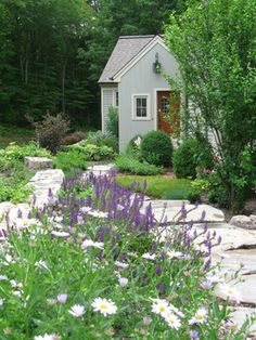 Front Yard Landscape Design Ideas, Pictures, Remodel, and Decor - page 25