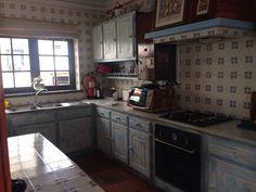 Kitchen Portugal, Kitchen Cabinets, Home Decor, Decoration Home, Room Decor, Cabinets, Home Interior Design, Dressers, Home Decoration