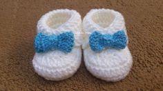 """Sapatinho de bebe para menino - """"Crochê da Mimi"""""""