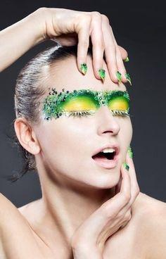 Trucco occhi giallo e verde con swarovski