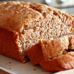 Try Applesauce Cinnamon Quick Bread! You'll just need 2 cups all-purpose flour, 2 tablespoons ground cinnamon, 1 tablespoon baking powder, teaspoon. Quick Bread Recipes, Bread Machine Recipes, Cooking Recipes, Frugal Recipes, Apple Recipes, Cheese Recipes, Applesauce Bread, Cinnamon Bread, Dessert Bread