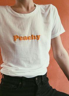 Peachy Tee | REDWOLF