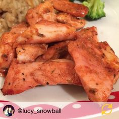 """@liveleanuk: """"Thanks for sharing your photo of your LiveLean feast @lucy_snowball! Our @LiveLeanUK Premium UK Chicken Fillets are a HUGE 8oz & are available in a variety of marinades including Piri Piri Cajun Hot & Spicy BBQ Lemon Pepper Garlic Butter & Jamaican Jerk. Which one tickles your fancy?! Visit our website (link in the bio) to shop our vast selection of fresh UK reared meats freshly caught fish healthy snacks drinks & much much more! #lunch #dinner #protein #chicken #delicious…"""