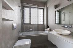 enduit salle de bains et toilettes simili béton brut et finition en peinture gris perle