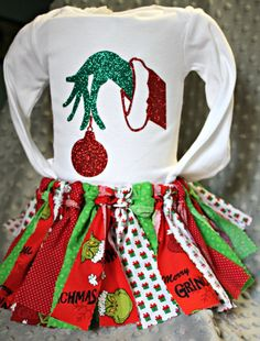 Items similar to Baby Girl or Toddler Grinch Outfit with matching Bodysuit and Shabby Skirt on Etsy Baby Grinch, Grinch Party, Grinch Costumes, Baby Costumes, Birthday Party Outfits, 1st Birthday Girls, Matching Christmas Outfits, Chloe Fashion, Grinch Christmas