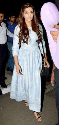 Sonam Kapoor at Mumbai airport. #Bollywood #Fashion #Style #Beauty #Hot